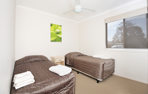 Lake Somerset Holiday Park's Lakeview Villas are generously appointed with queen and single beds as well as great views out of the bedroom windows.