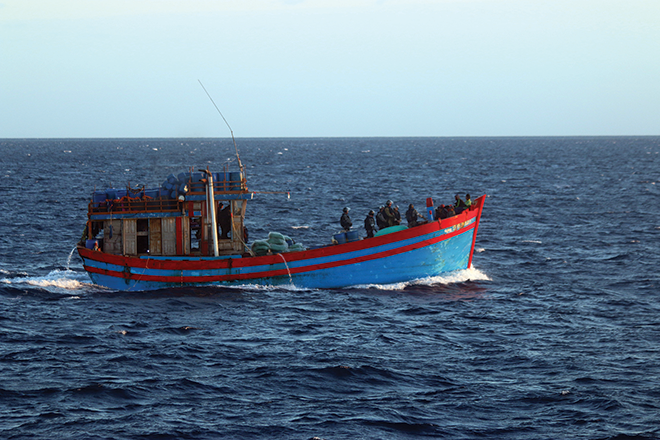 Illegal foreign fishing vessel apprehended off Gladstone