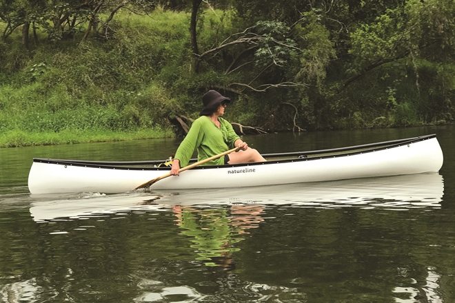 Paddling the picturesque Mary River