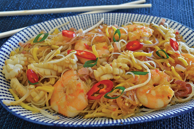 Stir-fried seafood noodles recipe