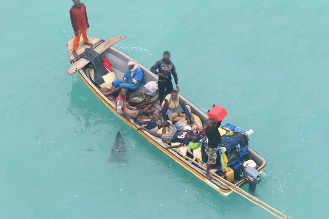 nine fishers adrift for six days