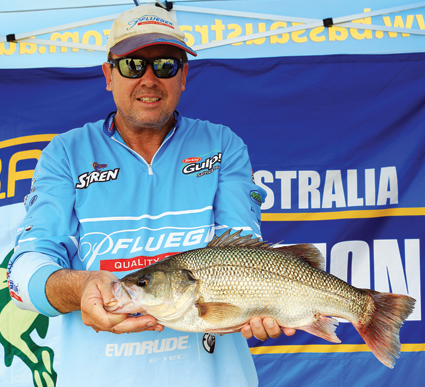 Steve Kanowski with what was a pending world record 48cm bass.