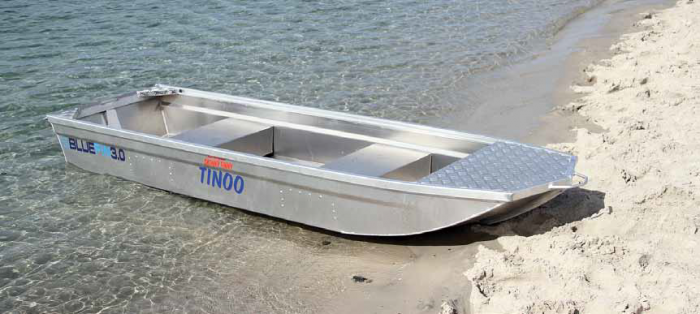 The smaller Tinoo can also be paddled.