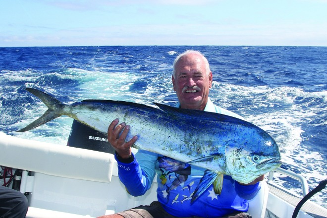 Frank Oostenbroek caught this dolphin fish in sloppy conditions.