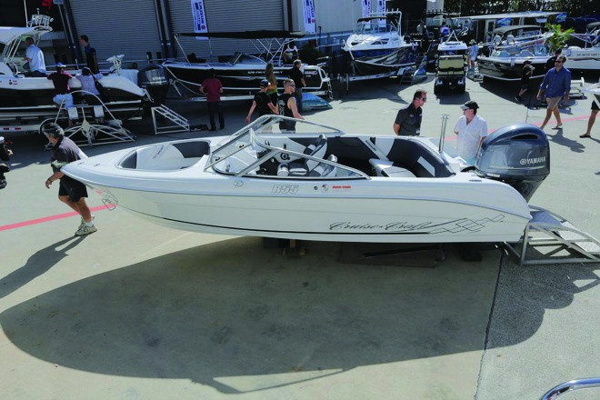 cruise-craft-releases-r-series-bow-riders-2