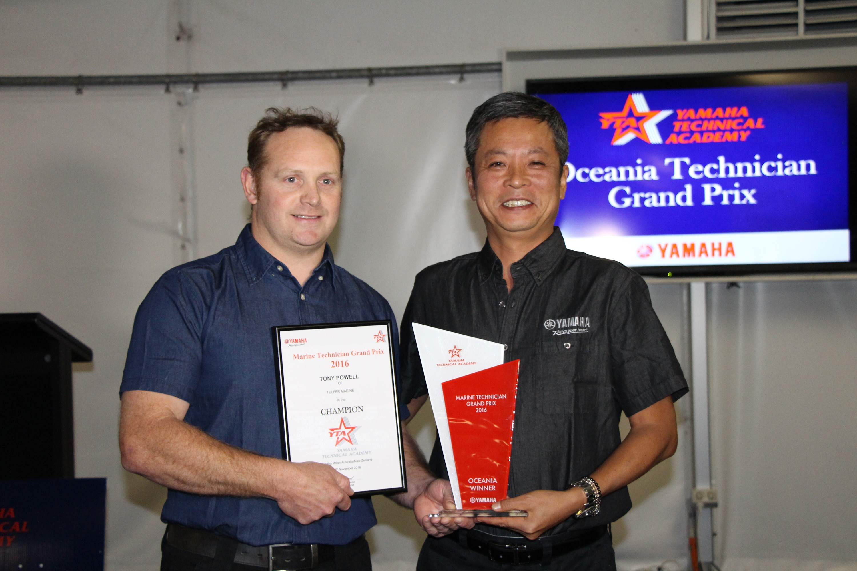 Tony received the winner's trophy from Mr Kenji Oishi, General Manager Marine Service YMC Japan.