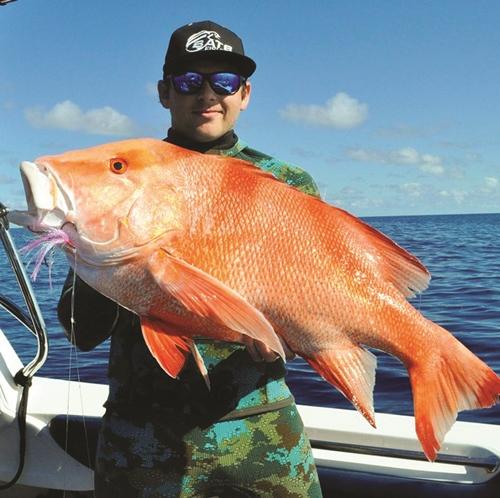 red fish speargun