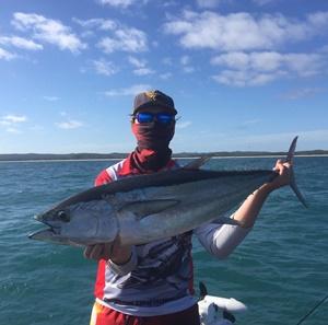 hervey bay fishing action