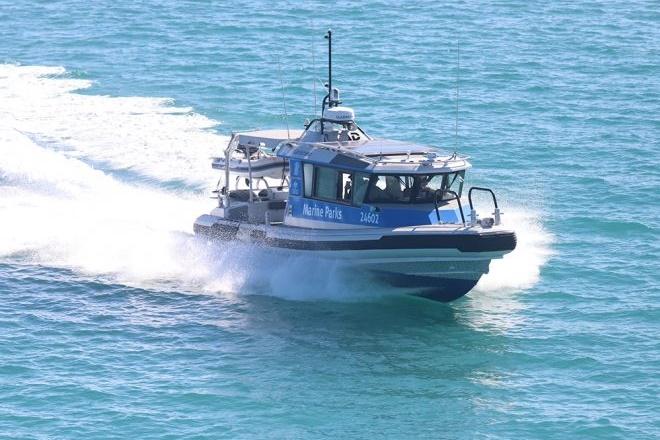 great barrier reef poachers fishing