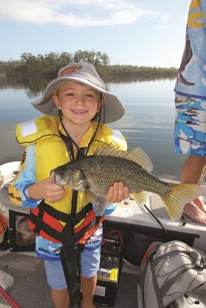 lake wyaralong bass fishing
